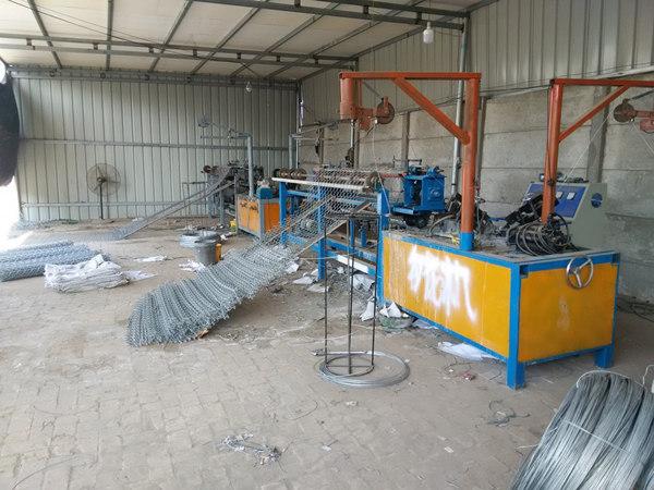 汕头勾花网生产设备